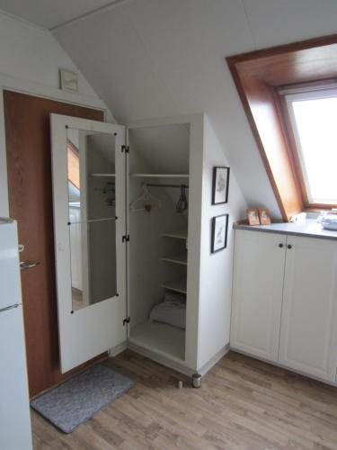 A kitchen or kitchenette at Top B&B
