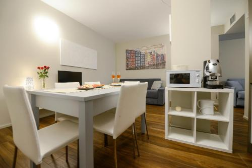 A kitchen or kitchenette at Residence Nazionale Matera