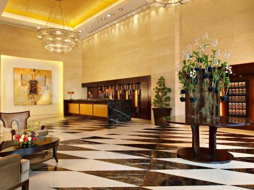 The lobby or reception area at Joy~Nostalg Hotel & Suites Manila Managed by AccorHotels
