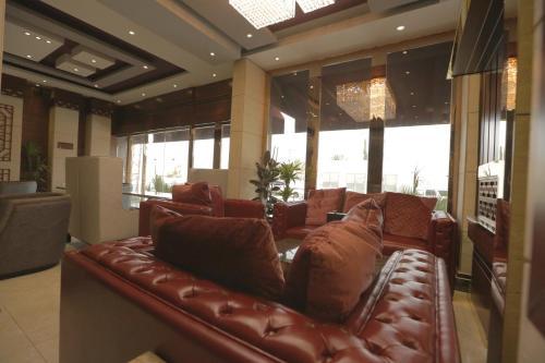 A seating area at Niyaf Hotel Appartments