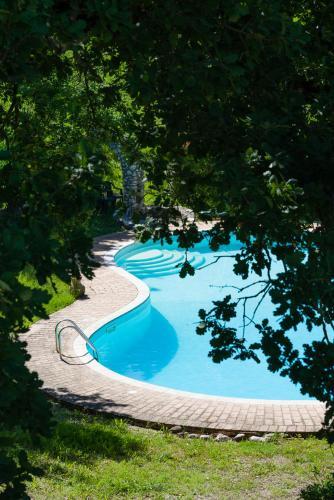 Bazén v ubytovaní Il Rifugio Pecorella alebo v jeho blízkosti