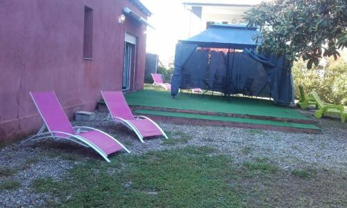 A garden outside U Nespulu