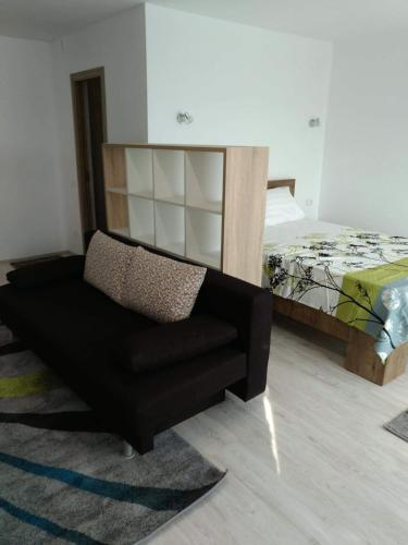 A seating area at Central Residence Constanta