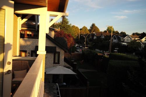 A balcony or terrace at Kitsilano Home 2 Home