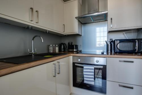 A kitchen or kitchenette at Lansdown