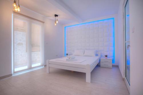 A bathroom at Apartments Dzaleta