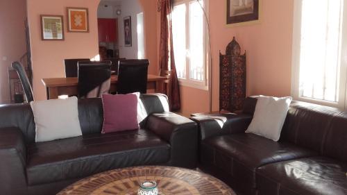 A seating area at Villa Acoran