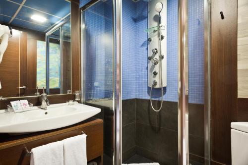 Un baño de Castelldefels Suites