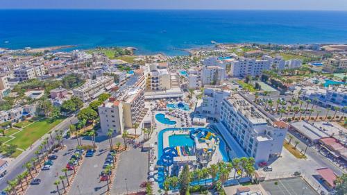 Marlita Beach Hotel Apartments с высоты птичьего полета