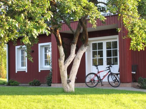 O grădină în afara Villa Sofia Boutique Trakai