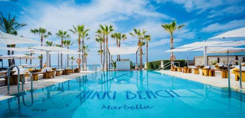 Бассейн в BOHO Loft Marbella или поблизости
