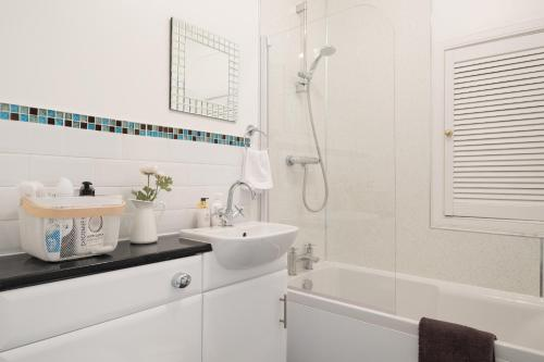 A bathroom at South Mount Apartments