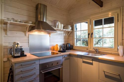 A kitchen or kitchenette at Quinta Lua Branca