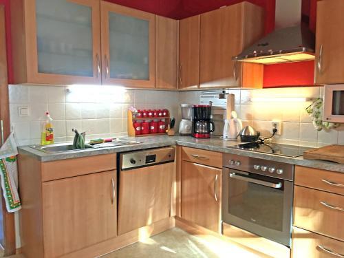 Küche/Küchenzeile in der Unterkunft Gemütliche Wohnung im Grünen beim Hausbauer