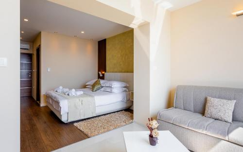 A bed or beds in a room at Villa Višnja