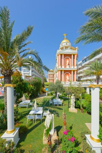 Сад в Antique Roman Palace - Ultra All Inclusive