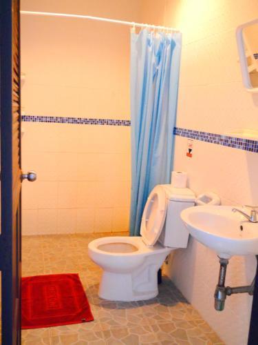 Ванная комната в Da Puccio Rawai Guesthouse