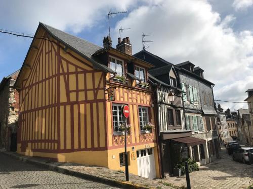 L'établissement La Maison de Pierre et Valérie Ste Catherine Honfleur en hiver