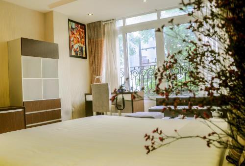 Sunny Serviced Apartment