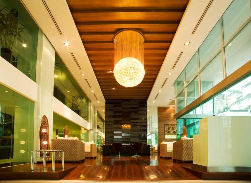 The lobby or reception area at Golden Pearl Hotel