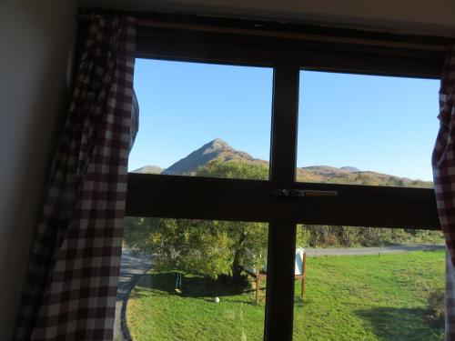 A general mountain view or a mountain view taken from the holiday home