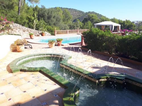 A view of the pool at Casa de las Vistas or nearby