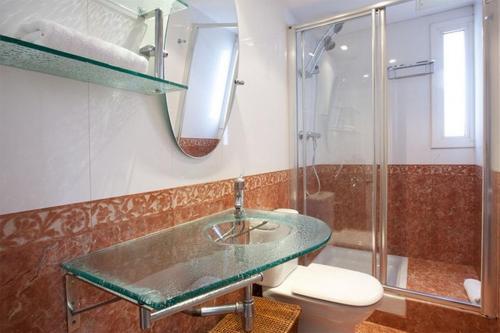 Salle de bains dans l'établissement AB Paseo de Gracia Apartments