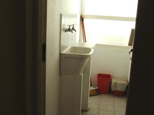 Un baño de Edificio El Ebro. Dpto 11