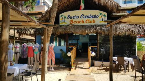 A restaurant or other place to eat at Residencial Sueño Caribeño