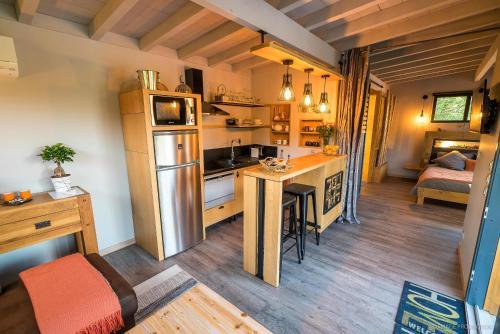 Cuisine ou kitchenette dans l'établissement LACabane Lodge Nature