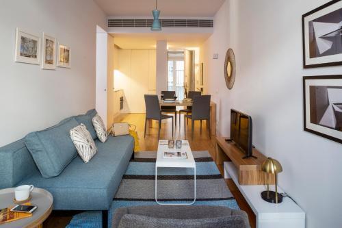A seating area at Hello Lisbon Baixa Ouro Apartments