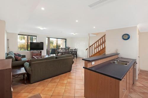 The lobby or reception area at Ocean View Port Geographe