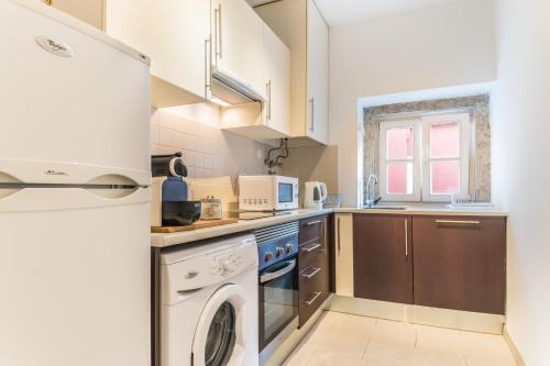 A cozinha ou cozinha compacta de LX 77