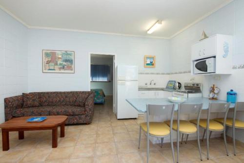 A seating area at Forster Lodge 6, Cnr Wallis & West Street, Forster