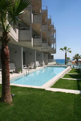 בריכת השחייה שנמצאת ב-Anastasia Star Beach Hotel & Spa או באזור