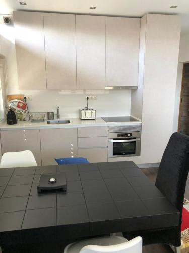 A kitchen or kitchenette at Casa Viriato