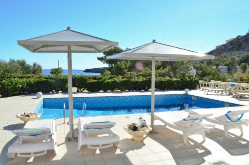 The swimming pool at or close to Luxury Villa Melissa