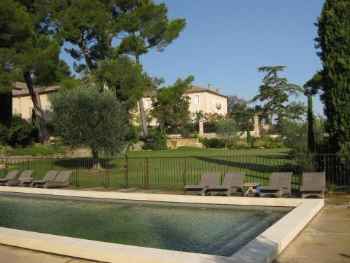 The swimming pool at or near La Tour Vaucros