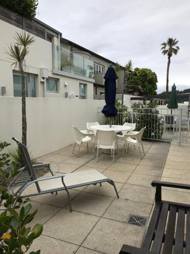A balcony or terrace at Belle Mer Beachfront Apartments - Self Serviced