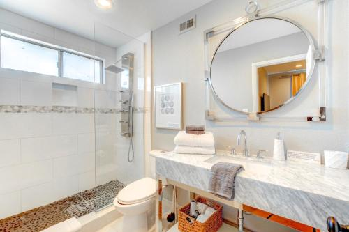 A bathroom at Thorndale Estate