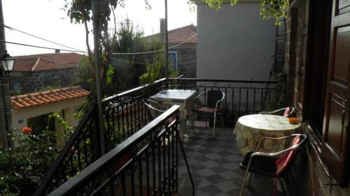 A balcony or terrace at Machi's Guest House