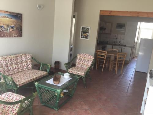 A seating area at Sea Cottage