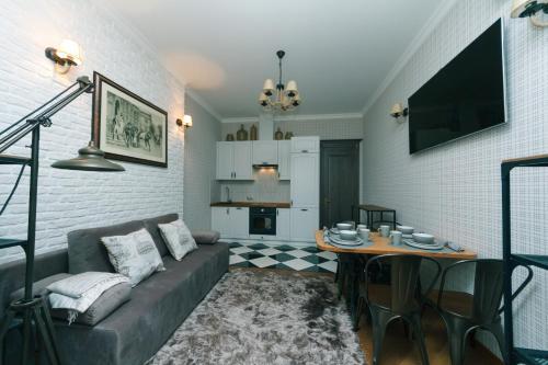 Svetainės erdvė apgyvendinimo įstaigoje Luxrent Apartments on Palace Ukraina Ocean Plaza