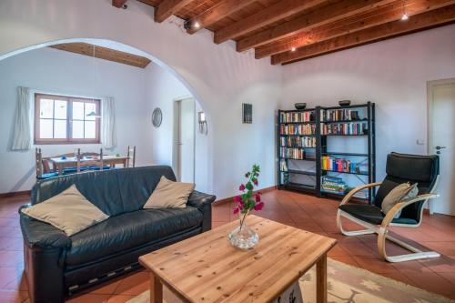 Uma área de estar em Casa Figueirinhas