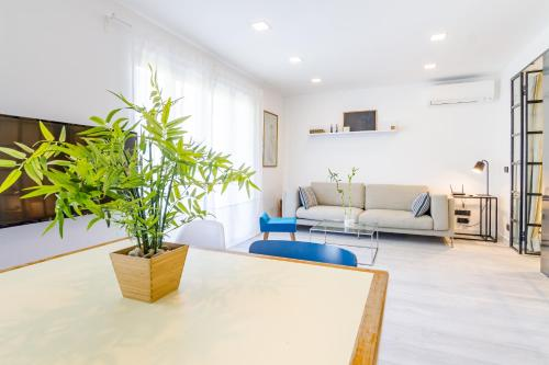 Ein Sitzbereich in der Unterkunft Your Apartment In Atocha