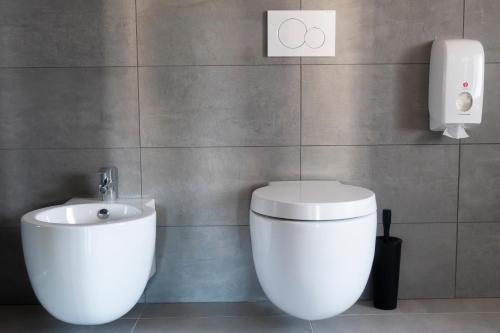 A bathroom at TrentoApartment