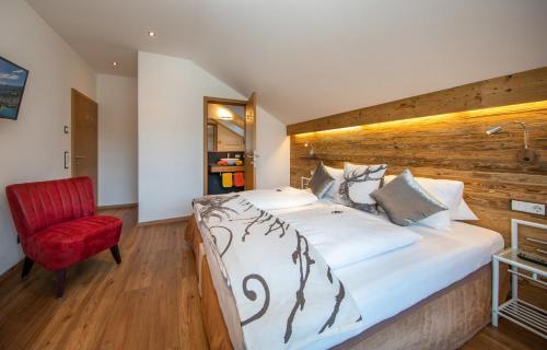 سرير أو أسرّة في غرفة في شقة ليفينغ شونفيس