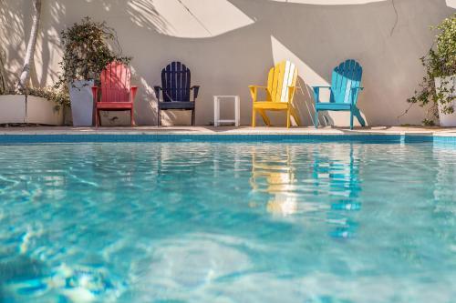 The swimming pool at or near Bella on Banyan