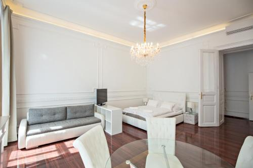 A seating area at Royal Exclusive Apartments in Centre