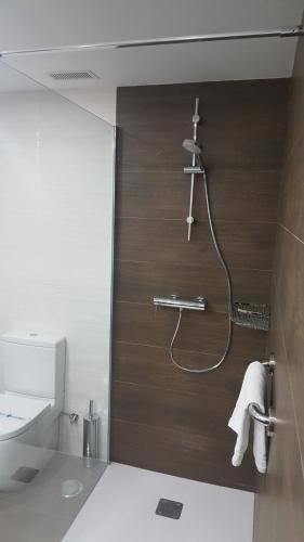 A bathroom at Apartamentos Centro Colón